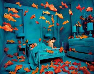 Sandy-Skoglund-Fish-Room-Photography-Art-Photo