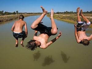 canal-jump-rules_37472_600x450